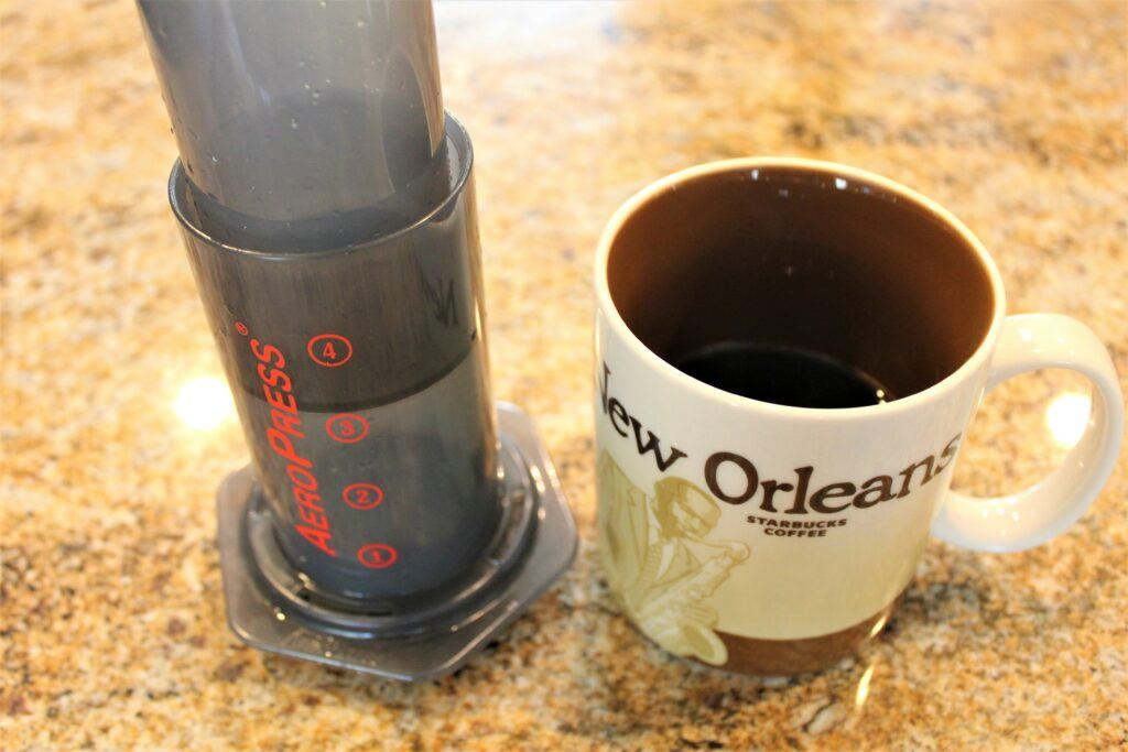 Making iced coffee and cold brew with AeroPress