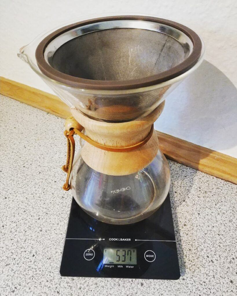 How to use a coffee scale